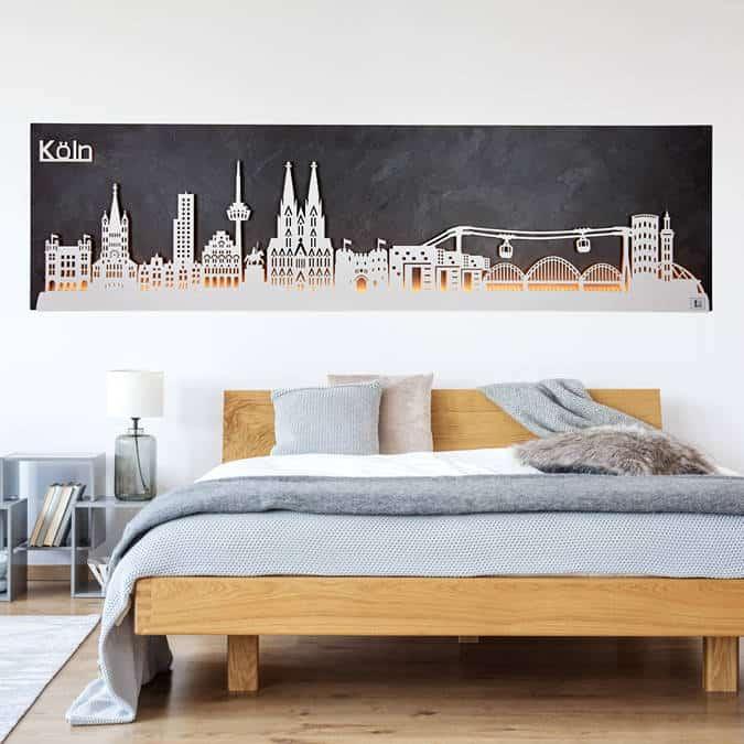 """Köln im Herzen, das Wandbild """"Skyline Köln"""" von merk!echt an der Wand: Begeisterung zeigen, ob mit oder ohne Beleuchtung"""