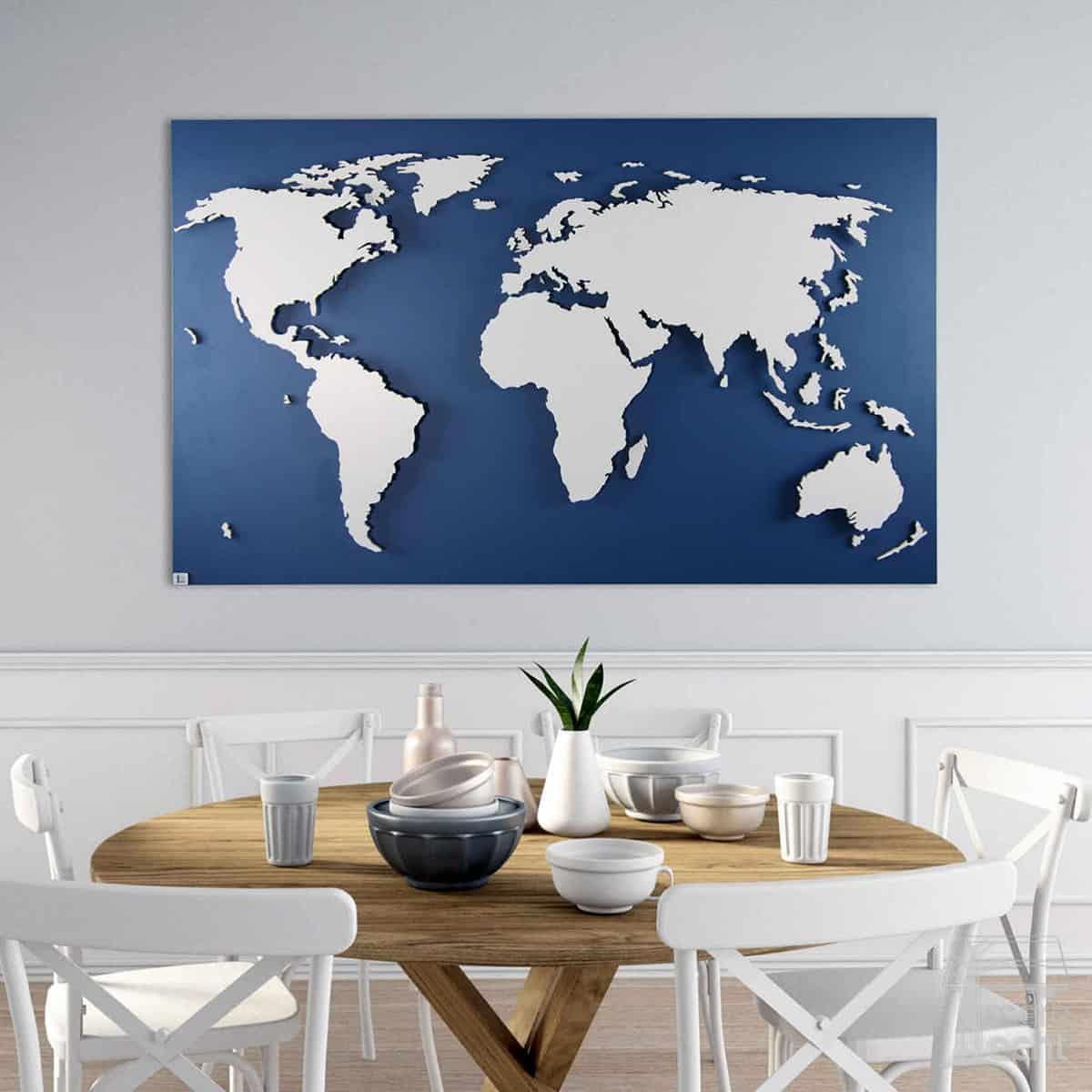 Weltkarte aus Holz auf blauem Hintergrund mit 3D Led Beleuchtung